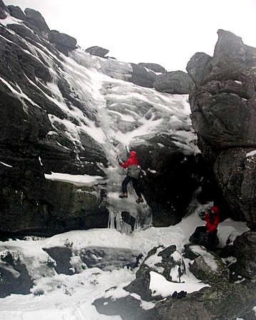 matroosberg-activity-ice-climbing-02